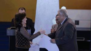 Clara Lucía Pérez Arroyave y Max Araujo (Viceministro de Cultura y Deportes hasta 2017). Foto: Mehalcar Álvarez / MCDG, del 6 de septiembre de 2017.