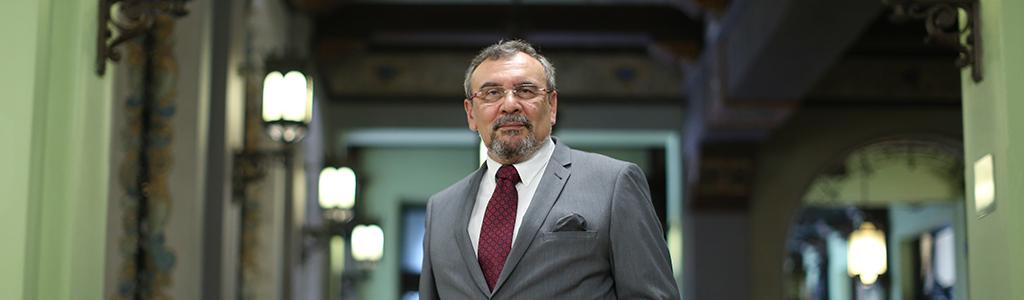"Luis Eduardo Rivera (n. 1949), Premio Nacional de Literatura ""Miguel Ángel Asturias"" 2019"